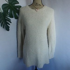 Hit List Oversized Fuzzy Crew Neck Sweater
